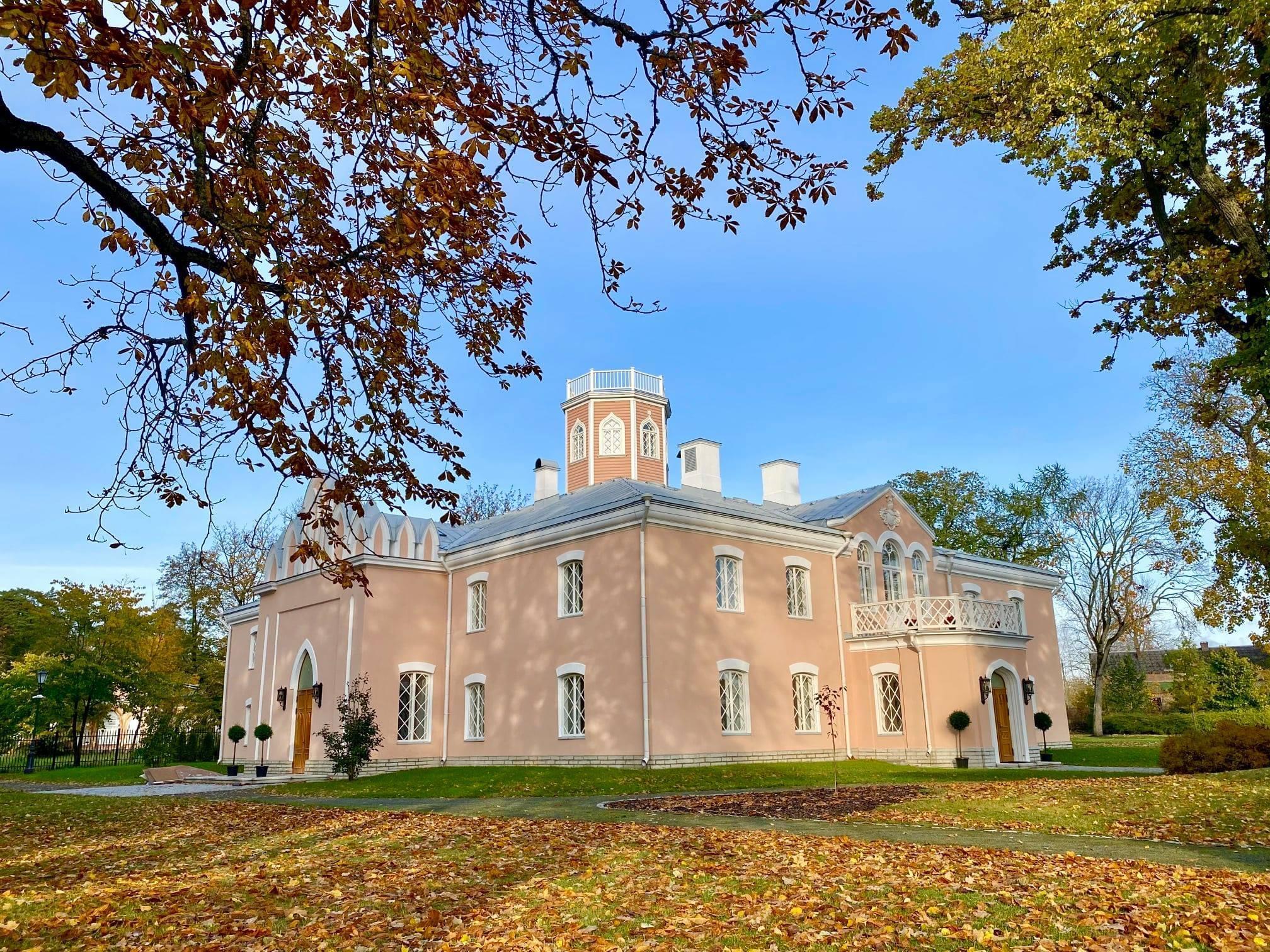 Vaibagalerii vaibad kaunistavad nüüd ka Keila-Joa lossi väikemõisa!